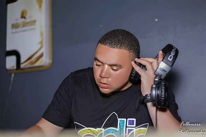 DJ FeezoL Drs In The House GoodHope FM Mix (11-2020)
